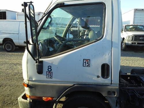 MITSUBISHI FUSO FE640 Door Assembly, Front