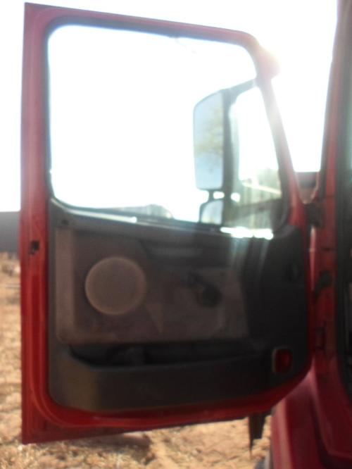 GMC/VOLVO/WHITE VNL200 Door Assembly, Front