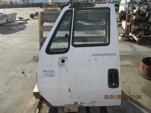 INTERNATIONAL 3200 Door Assembly, Front