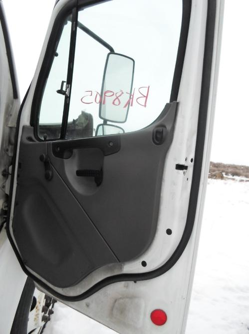 FREIGHTLINER M2  Door Assembly, Front