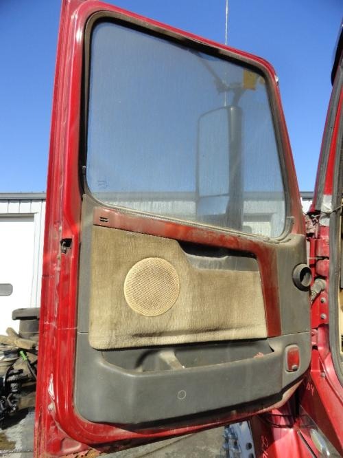 VOLVO VT880 Door Assembly, Front