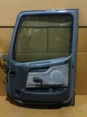 VOLVO VNL630 Door Assembly, Front
