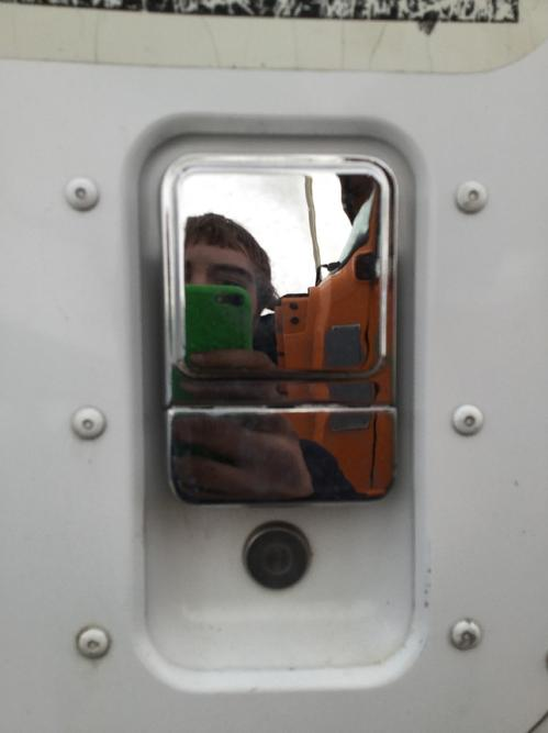 INTERNATIONAL 5600I Door Handle