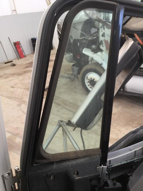 FREIGHTLINER FLD120 Door Vent Glass, Front