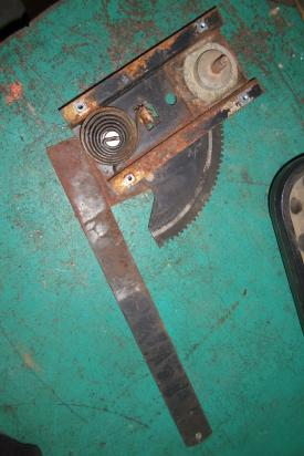 INTERNATIONAL 1954 Door Window Regulator, Front