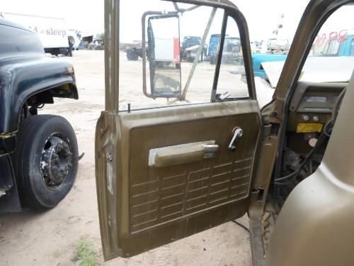 INTERNATIONAL 1500D Door Assembly, Front