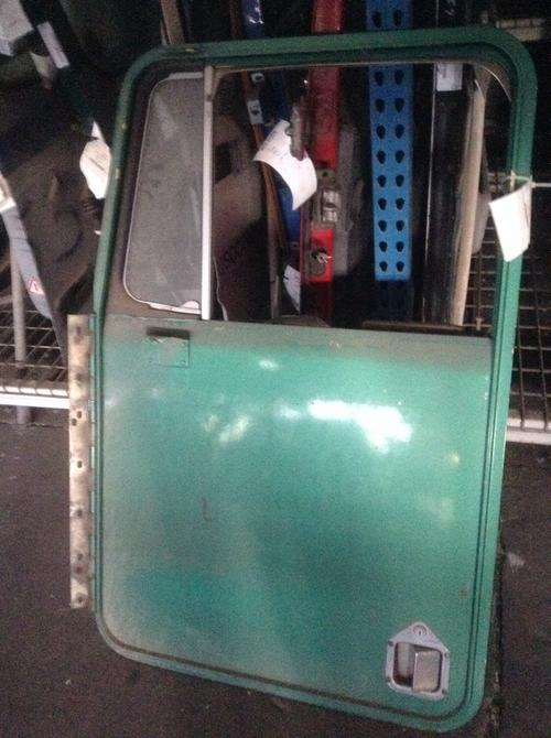 KENWORTH K100 Door Assembly, Front