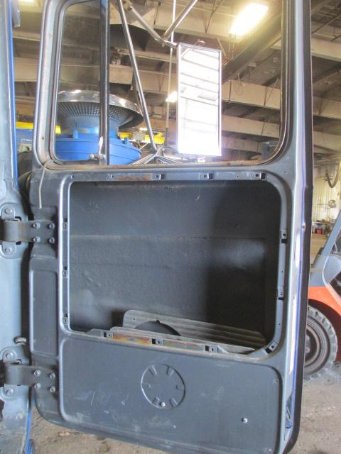 MACK RD686 Door Assembly, Front