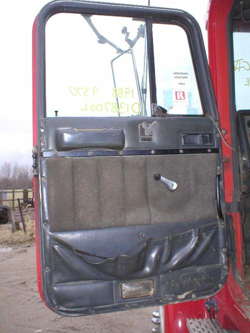INTERNATIONAL 9370 Door Assembly, Front