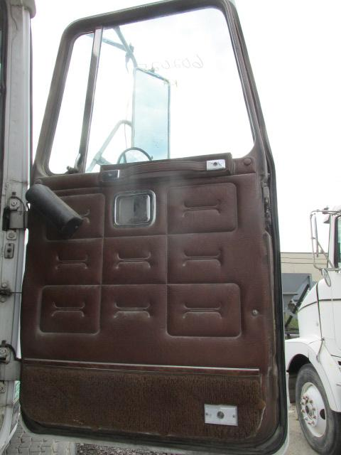 VOLVO/GMC/WHITE WILT Door Assembly, Front