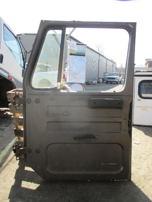 INTERNATIONAL 2674 Door Assembly, Front