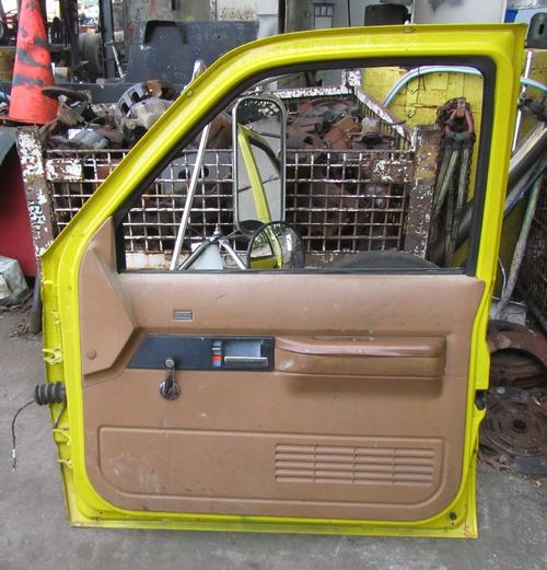 CHEVROLET TOPKICK Door Assembly, Front
