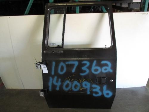 FORD L700 Door Assembly, Front