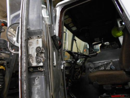 GMC/VOLVO/WHITE WXLL XPEDITOR Door Assembly, Front