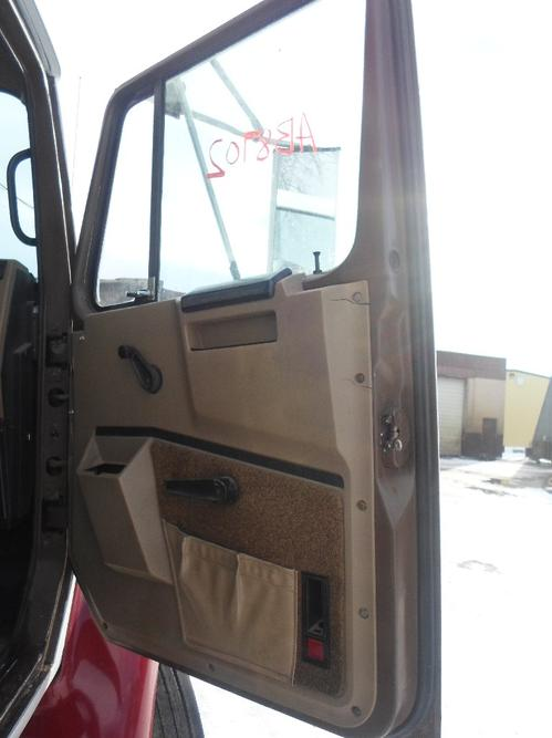 INTERNATIONAL 4700 / 4900 / 8100 / 8200 Door Assembly, Front
