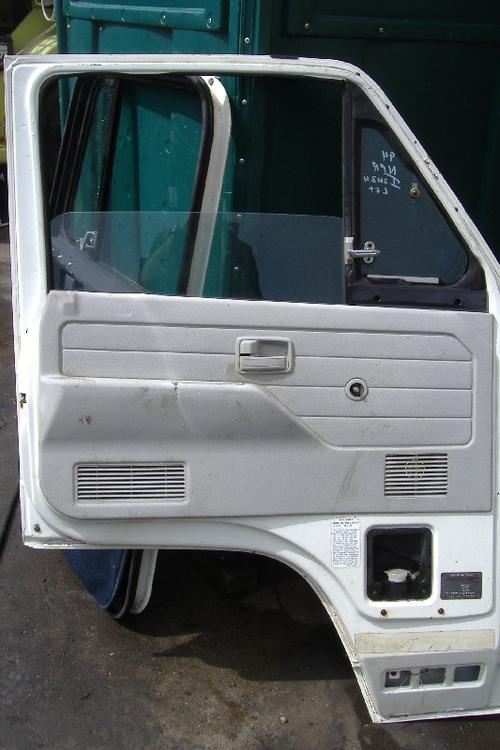 ISUZU NRR Door Assembly, Front