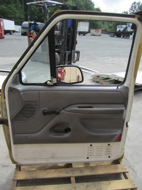 FORD F250SD (SUPER DUTY) Door Assembly, Front