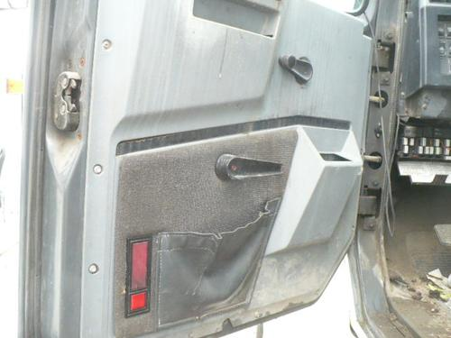 INTERNATIONAL F8200 Door Assembly, Front