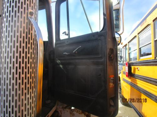 MACK DM690 Door Assembly, Front