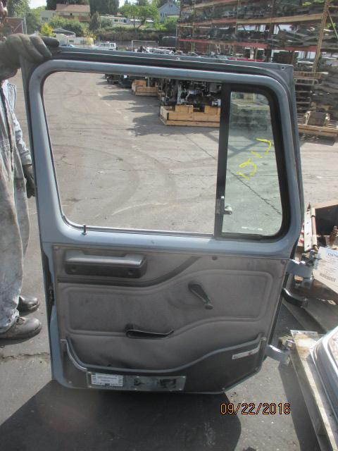 INTERNATIONAL 8100 Door Assembly, Front