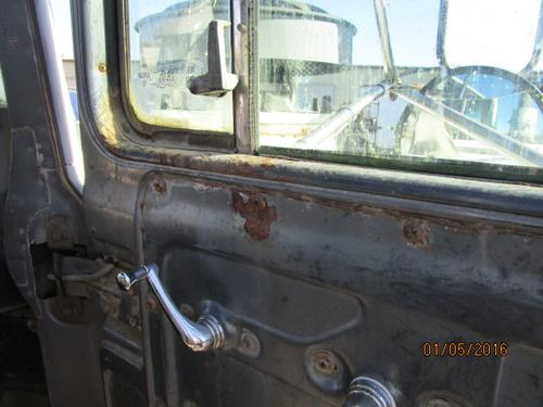 MACK RD688 Door Assembly, Front