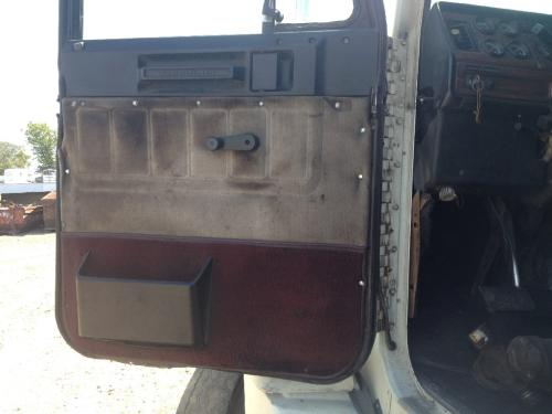 FREIGHTLINER FLD/CLASSIC DOOR MOUNTED MIRRO Door Assembly, Front