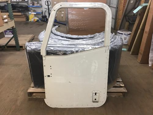 INTERNATIONAL 5500I Door Assembly, Front