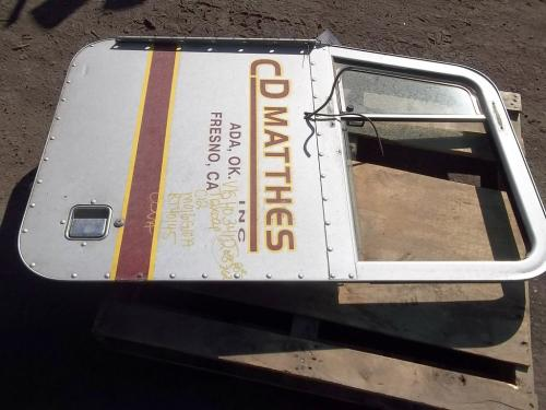 PETERBILT 362 Door Assembly, Front