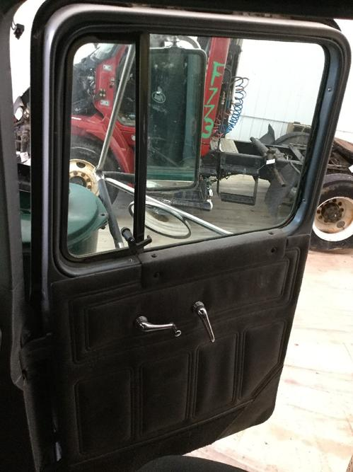 MACK RD690S Door Assembly, Front