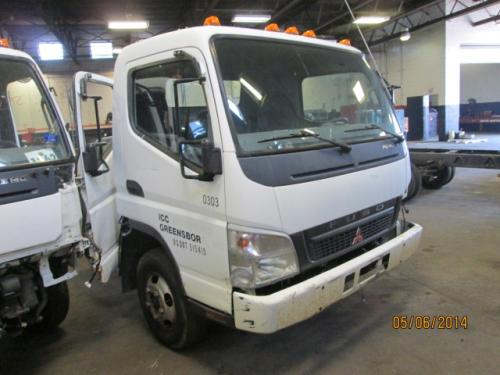 MITSUBISHI FUSO FE140 Door Assembly, Front
