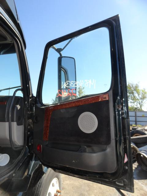 VOLVO VNL 780 Door Assembly, Front