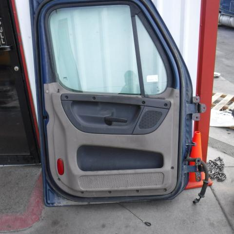 FREIGHTLINER CASCADIA Door Assembly, Front