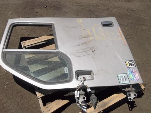 PETERBILT 587 Door Assembly, Front
