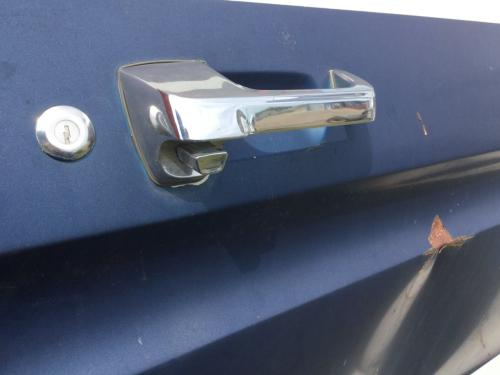FORD F600 Door Handle