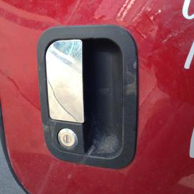 KENWORTH T680 Door Handle