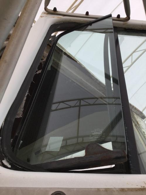 FORD LN800 Door Vent Glass, Front