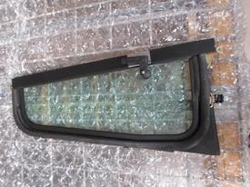 KENWORTH T600 / T800 Door Vent Glass, Front