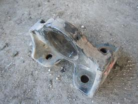 FREIGHTLINER  Engine Mounts
