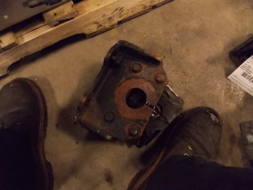 INTERNATIONAL 9200I Engine Mounts