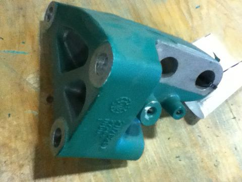 VOLVO  Engine Mounts