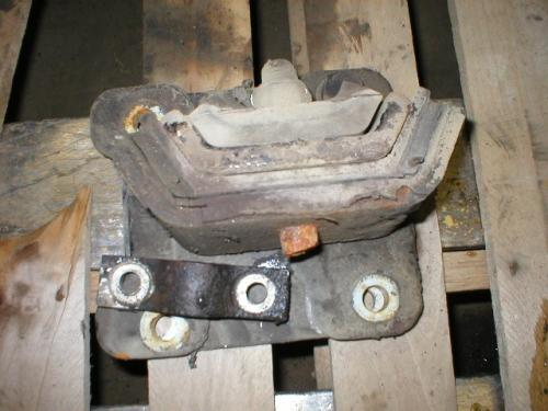 CUMMINS N14 Engine Mounts