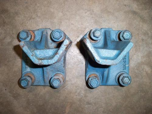 INTERNATIONAL DT530E Engine Mounts