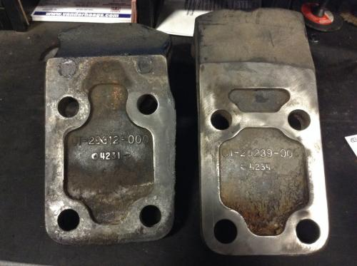 MERCEDES MBE4000 Engine Mounts