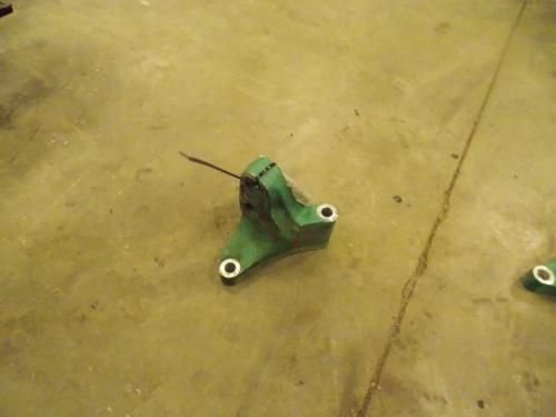 VOLVO D11 Engine Mounts