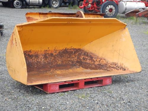 Unknown Side dump loader bucket Equipment (Mounted)