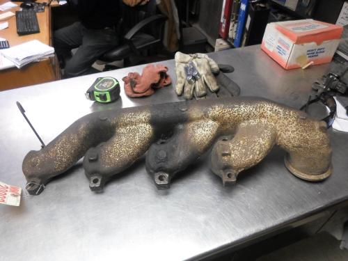 DETROIT 8.2 Exhaust Manifold