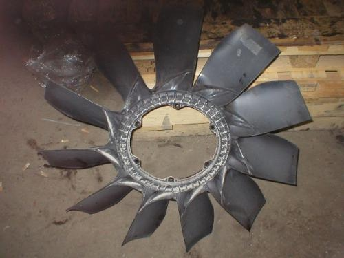 IHC MAXXFORCE 13 Fan Blade