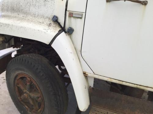 INTERNATIONAL 1724 Fender Extension