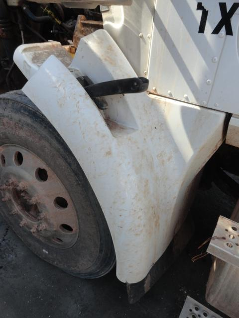 INTERNATIONAL 5900I Fender Extension