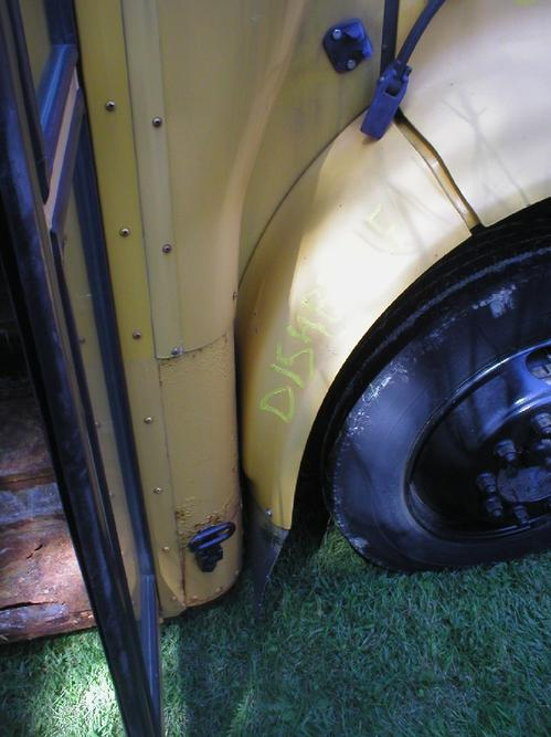 INTERNATIONAL SCHOOL BUS Fender